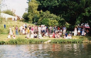 Crowds watching the May Bumps from Ditton Corner in 2000