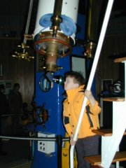 Henry looks through Rachel Telescope at Chabot Space Center
