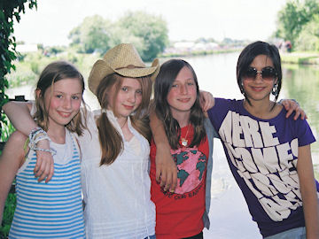Kate, Hannah, Luki and Lucy